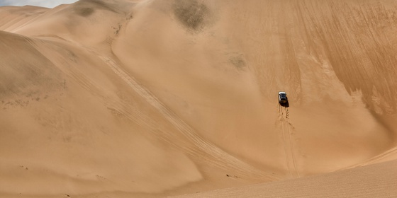 Learn to conquer the Dunes of the Namib - Sandwich Harbour 4x4 Dune Driving Academy